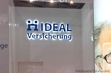 Messestand IDEAL Versicherung